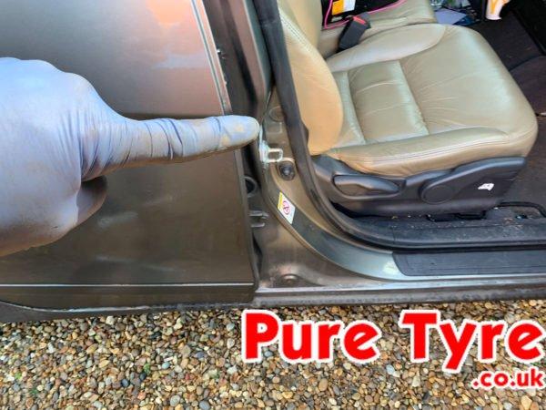 Honda FRV Tyre Pressure Placard Location